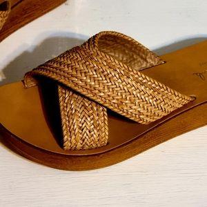 Mila Paoli tan sandals size 7